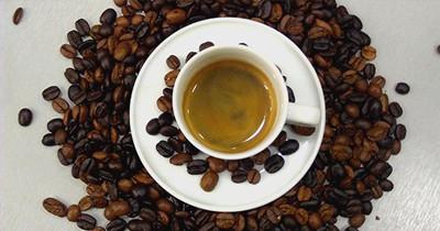 tasses caf de l 39 expresso serr au cappuccino tasses design boutiqu. Black Bedroom Furniture Sets. Home Design Ideas