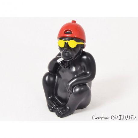 Boss Drimmer, Sculpture Singe à cigarette, lunettes et casquette