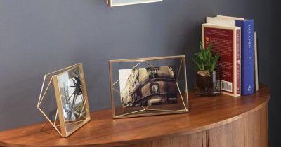 cadres et p le m le pour encadrer vos photos poser ou muraux boutique int rieur jour. Black Bedroom Furniture Sets. Home Design Ideas